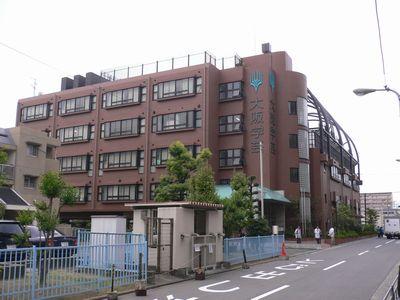 大阪学芸高 外観①